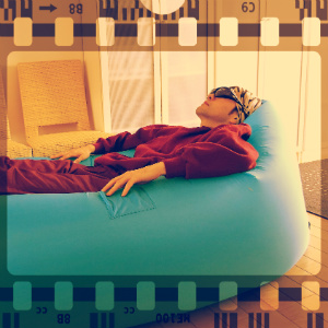 ブレイクの予感!インフレータブルソファで浮遊感を気軽に楽しむ!