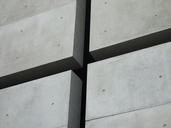 東京の光の教会の十字架